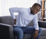 3 habitudes qui causent des maux de dos